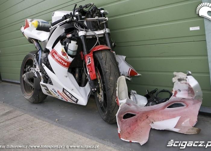 jurek berger rozbity motocykl fiat yamaha cup I runda brno 2009 e mg 0615