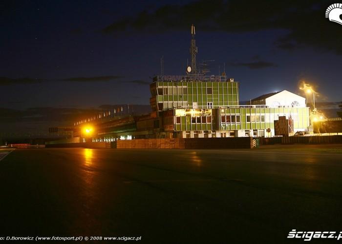 budynek noca  brno wmmp 2008 o mg 0007
