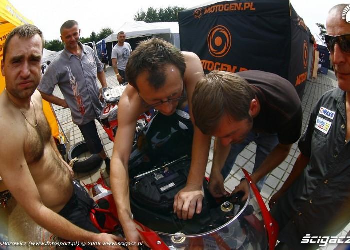 naprawa motocykla vi runda wmmp poznan 2008 a mg 0006