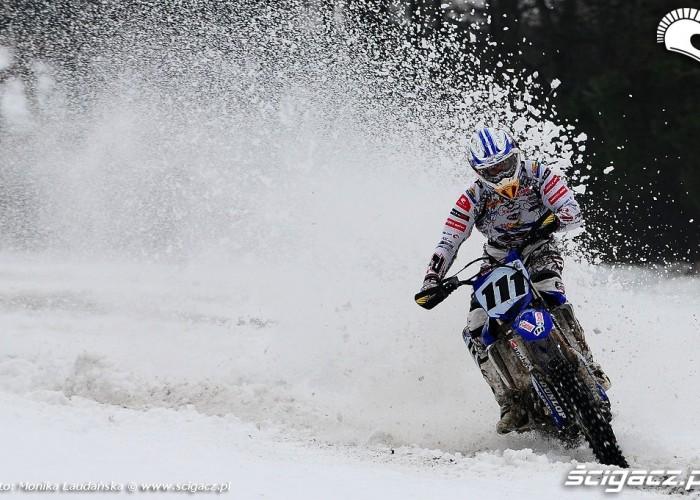 Jazda po sniegu crossowka Kurak