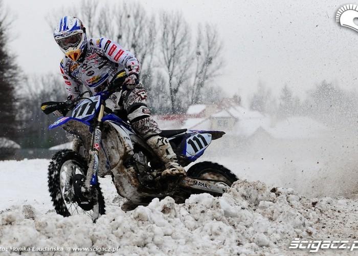 Kurowski jazda w sniegu