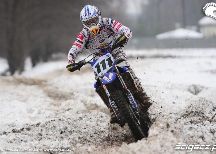 YZ450F po sniegu