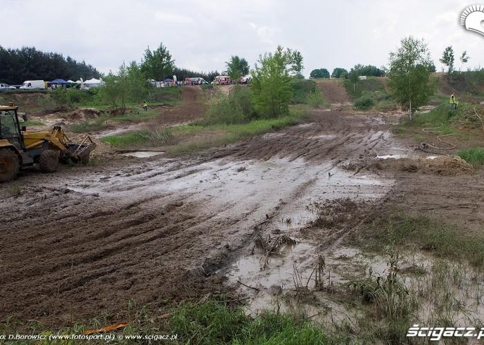 bloto na torze motocross mistrzostwa polski radom maj 2010 a mg 0175