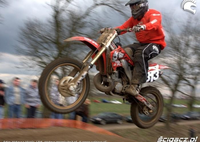 skakanie motocross
