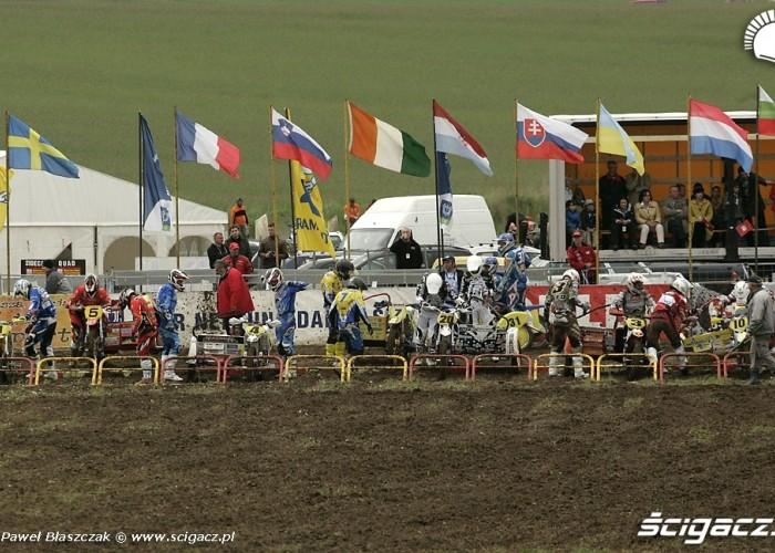 Mistrzostwa Swiata w Motocrossie Sidecar Gdansk 2009 na linii startowej
