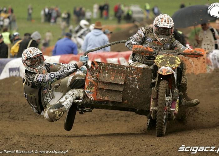 Mistrzostwa Swiata w Motocrossie Sidecar Gdansk 2009 ostre wejscie w zakret
