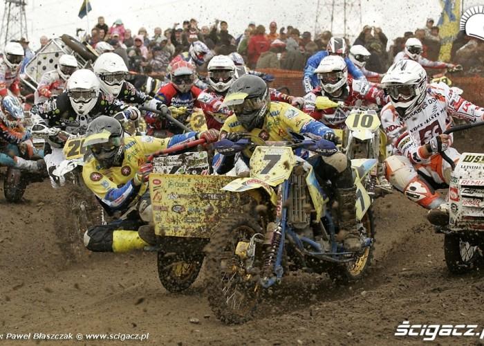 Mistrzostwa Swiata w Motocrossie Sidecar Gdansk 2009 pierwszy zakret