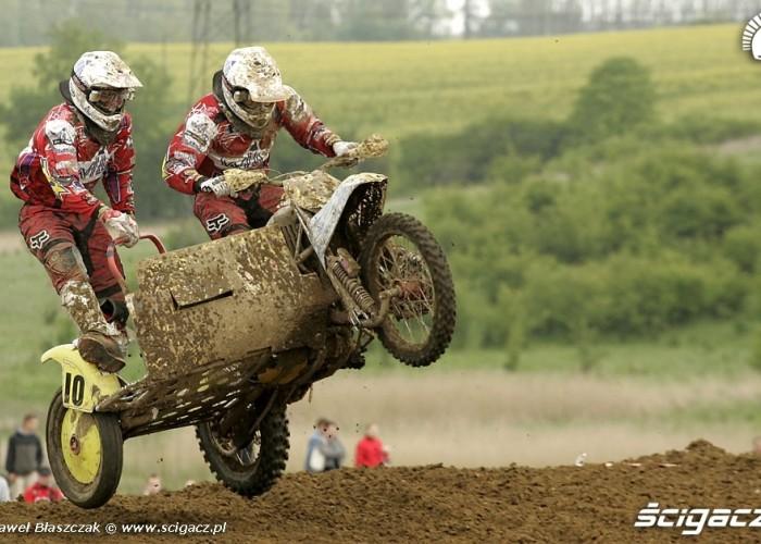 Mistrzostwa Swiata w Motocrossie Sidecar Gdansk 2009 tuz przed ladowaniem