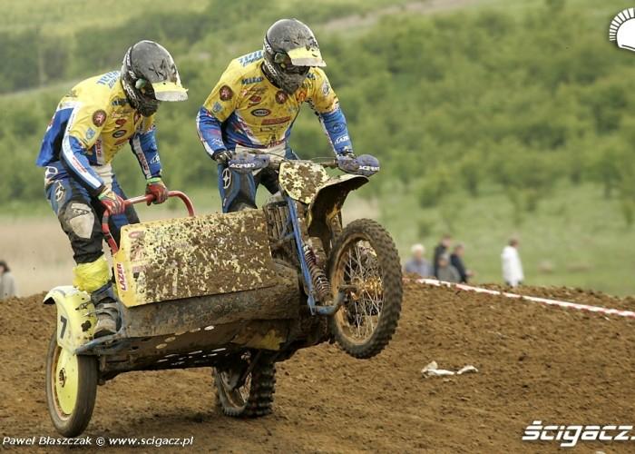 Mistrzostwa Swiata w Motocrossie Sidecar Gdansk 2009 zawodnicy laduja