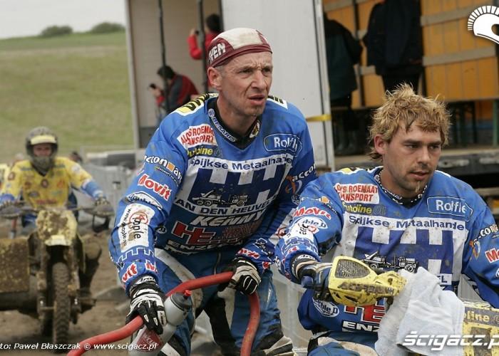 Mistrzostwa Swiata w Motocrossie Sidecar Gdansk 2009 zawodnicy po wyscigu