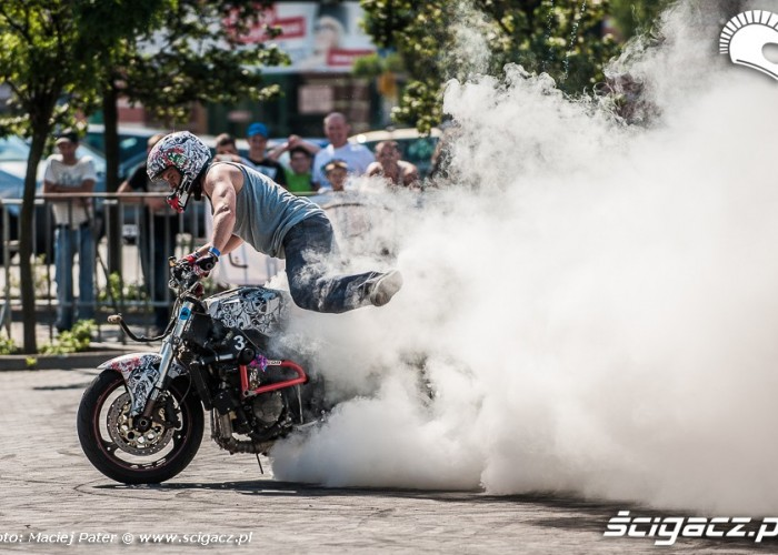 palenie gumy Cracow Stunt Cup