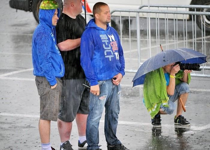 w deszczu tez trzeba fotografowac