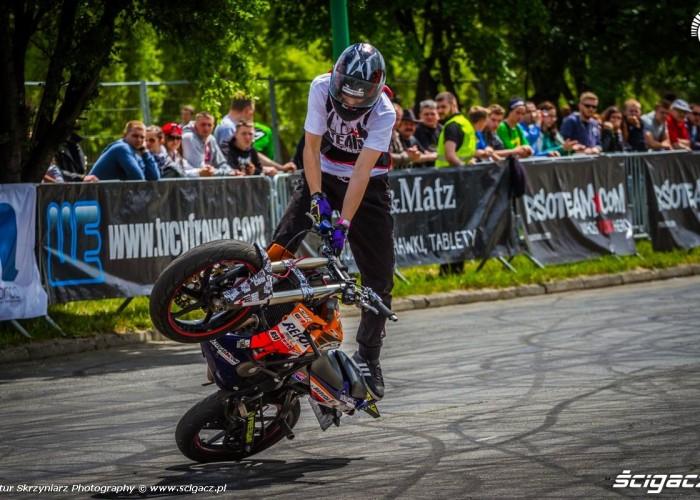 cyrkle na glebie Moto Show Bielawa Polish Stunt Cup 2015