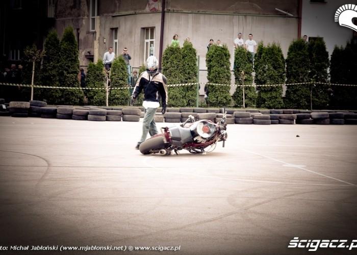Extremeday Rzeszow 2009 upadek moto