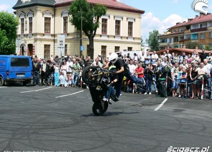 LukaszFRS wheelie w 2 osoby
