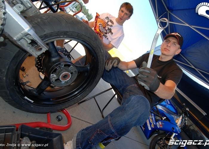 Lukasz Belz naprawa motocykla