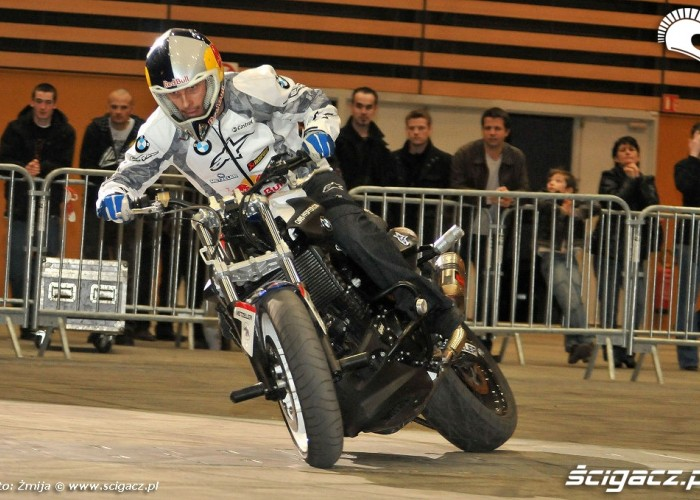 Chris Pfeiffer drifts Lyon show