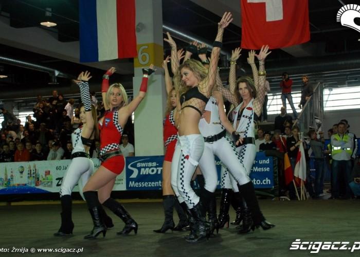 girls show Zurich swiss moto