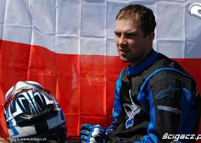 Hubert Dylon Raptowny flaga Polska