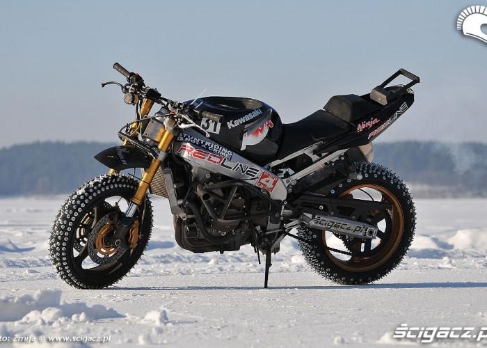 Kawasaki do stuntu na zimowkach