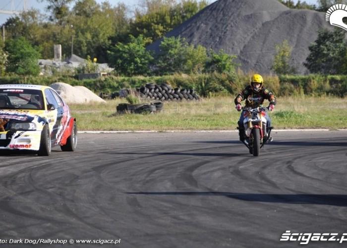 konfrontacja stuntu i driftu