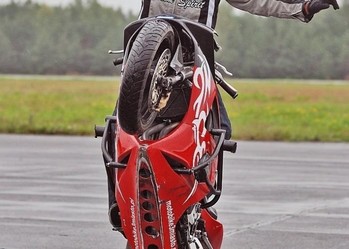 sokol no hande wheelie borsk sierpien 2008