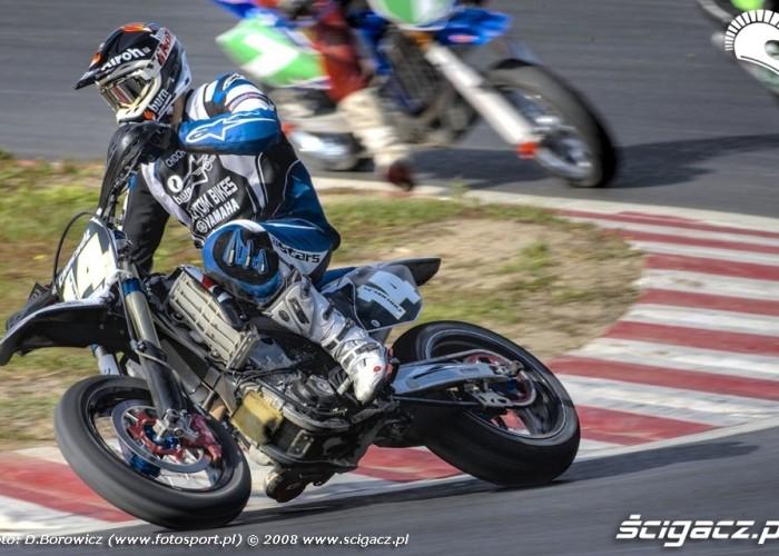 chochol zakret supermoto motocykle wrzesien radom 2008 c mg 0030