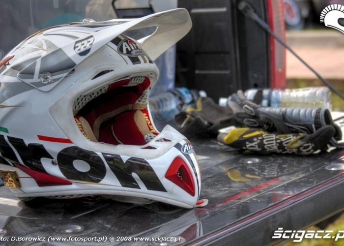 kask i rekawice supermoto motocykle wrzesien radom 2008 f mg 8104