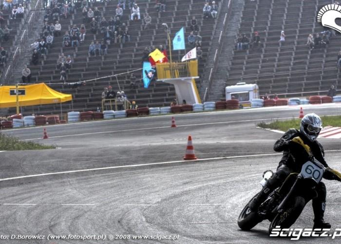 motocykl i trybuny supermoto motocykle wrzesien radom 2008 e mg 7802