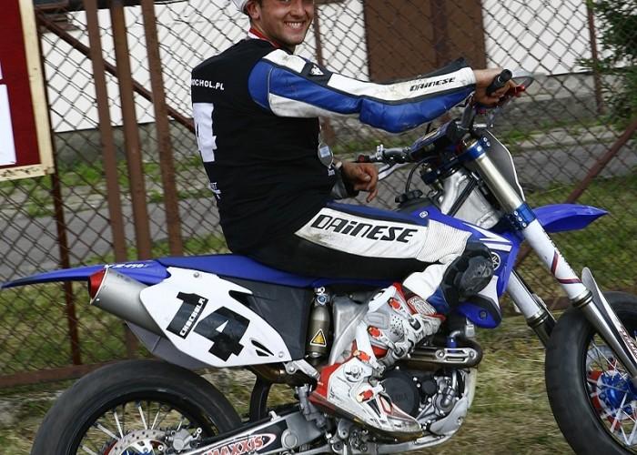 chochol cieszy sie radom supermoto motocykle lipiec 2008 c mg 0366