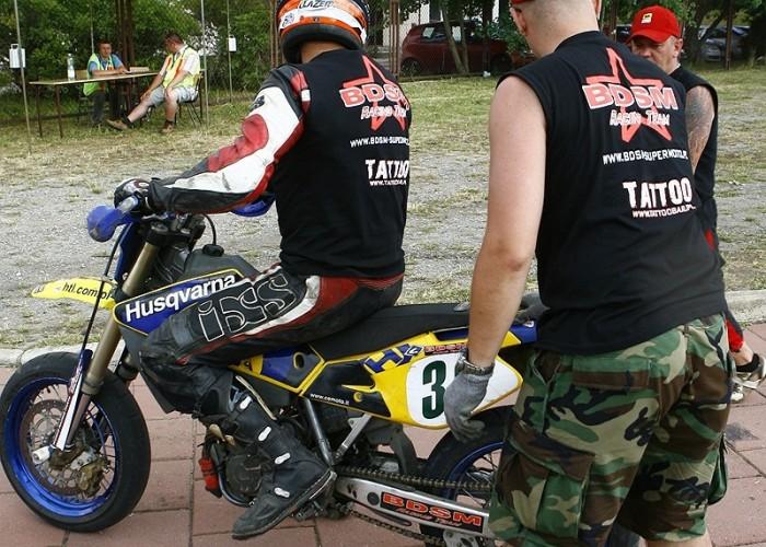 palenie na pych radom supermoto motocykle lipiec 2008 c mg 0357