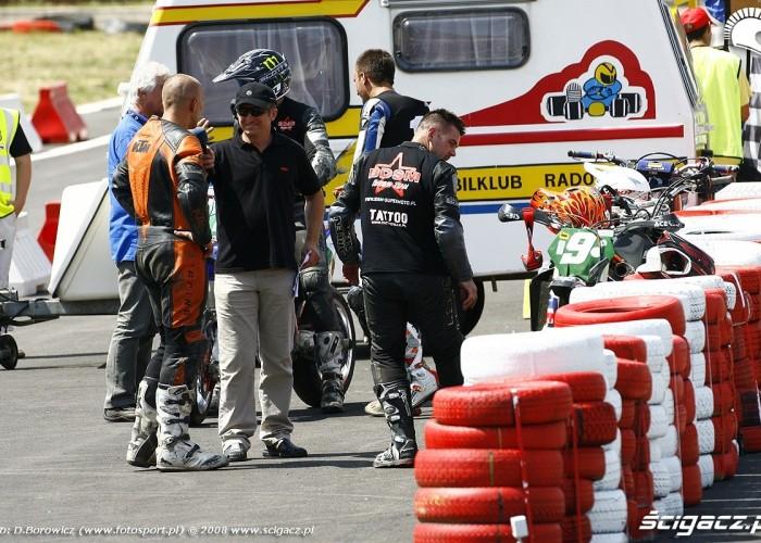 po wyscigu radom supermoto motocykle lipiec 2008 c mg 0056