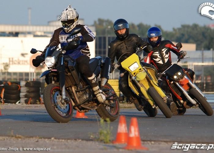 Trening motocyklowy lotnisko Bemowo
