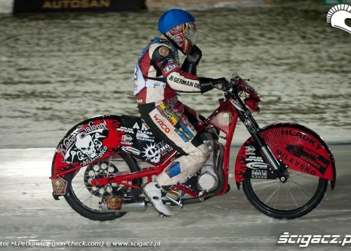 motocykl zuzlowy na lodzie