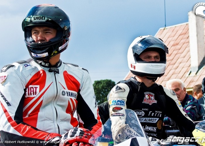 Tomasz Ciszewski i Mariusz Kondratowicz przed wyscigiem Rookie 600