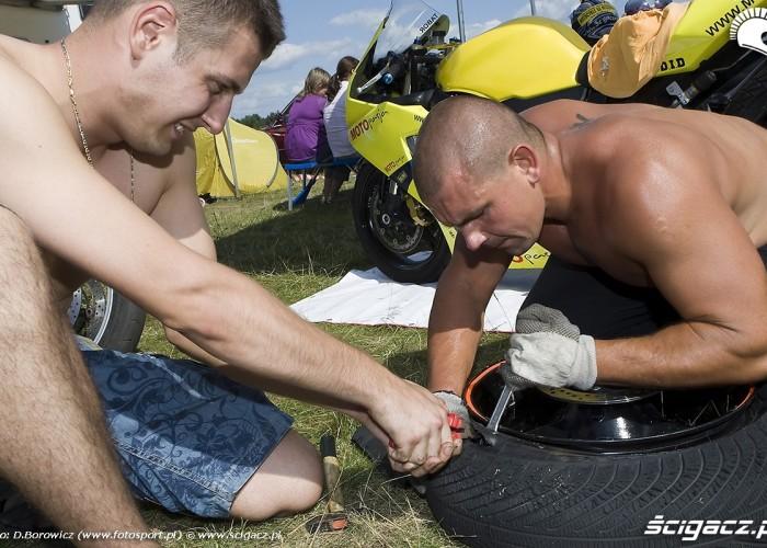 rozcinanie opony dajtki 14 mili xv moto piknik 2009 a mg 0307