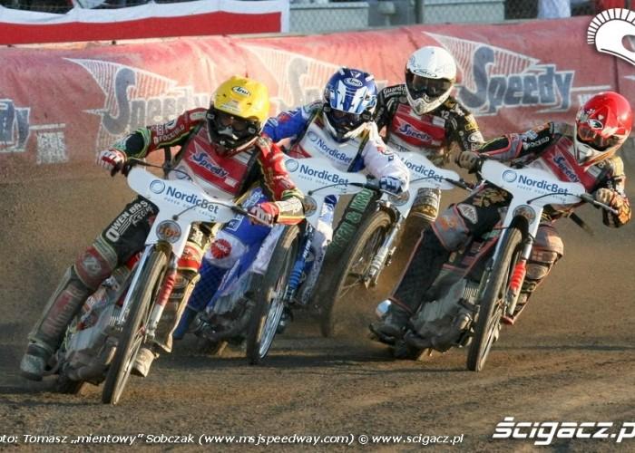 18 L Adams N Pedersen S Nicholls N K Iversen