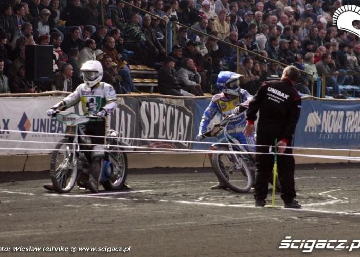 B 4 Wodjakov i Holder przed startem