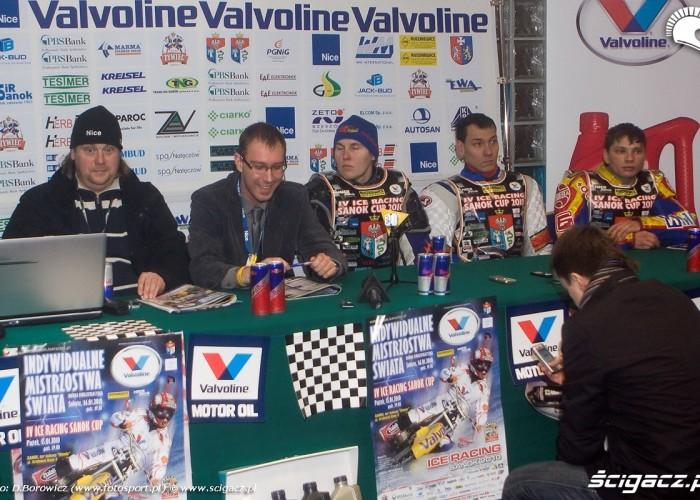 konferencja prasowa sanok ice cup 2010 b mg 0164