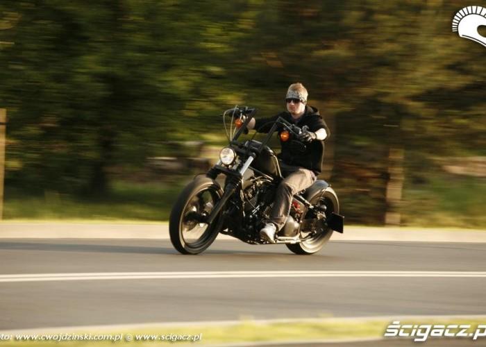 na drodze Yamaha XVS650