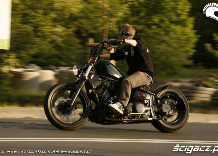 na ulicy Yamaha XVS650