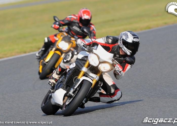 Lewy luk Triumph Speed Triple R Ducati Streetfighter 848