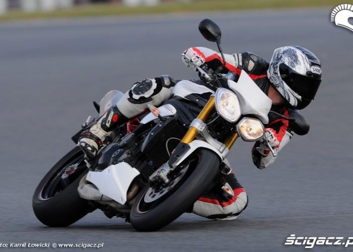 Niemieckie Triumph Speed Triple R