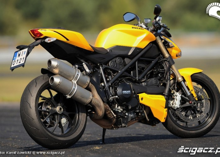 Prawy bok Ducati Streetfighter 848