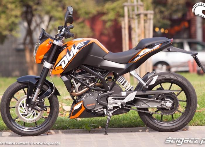 lewy bok KTM Duke 200 scigacz pl