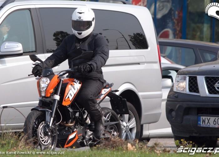 ruch uliczny KTM Duke 200 scigacz pl