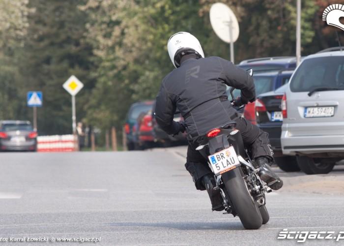 zakret KTM Duke 200 scigacz pl