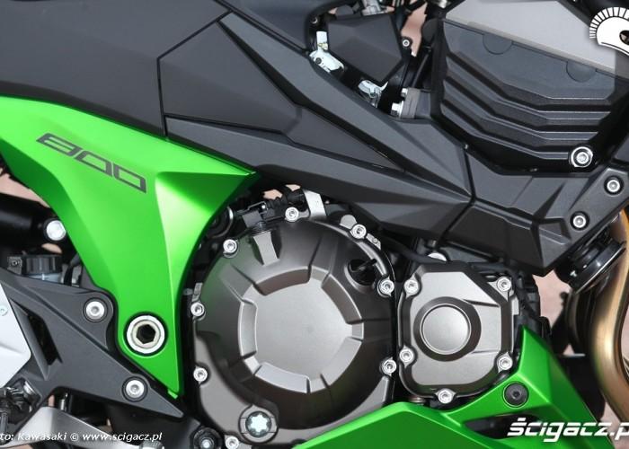 Kawasaki Z800 2013 silnik