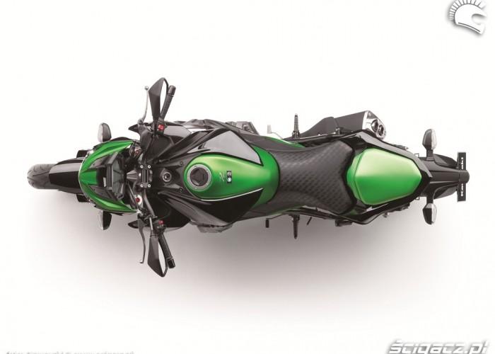 Kawasaki Z800 gora