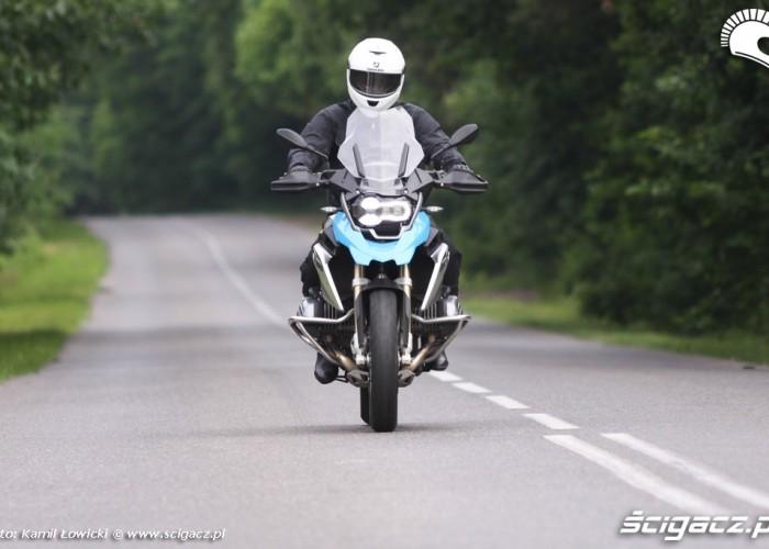 na drodze BMW R1200GS